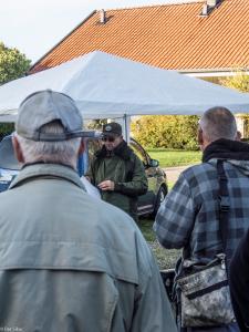 Styremedlem i Norges Metallsøkerforening Erik Rønning Johansen orienterte de fremmøtte . Foto Per Sibe